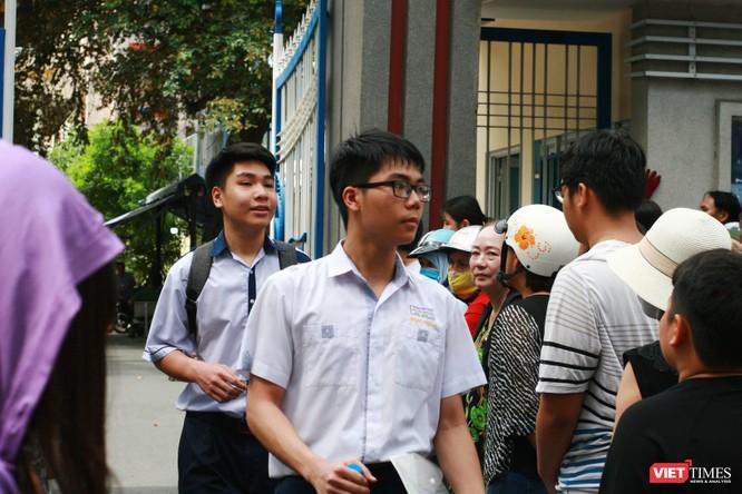 Kết thúc bài thi toán, chiều nay các thi sinh bước vào môn tiếng Anh với thời gian làm bài 90 phút