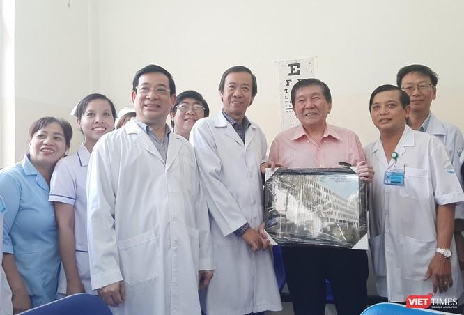 Nam Việt kiều Mỹ hân hoan trong ngày xuất viện ảnh 4