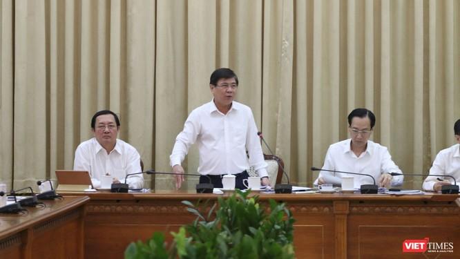 Chủ tịch UBND Tp.HCM Nguyễn Thành Phong: Chống dịch COVID-19, đừng để nước tới chân mới nhảy! ảnh 1