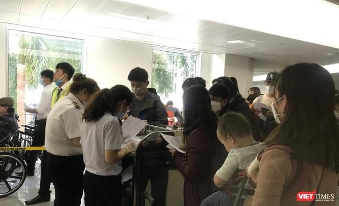 Nóng: Vụ 5 hành khách cùng chuyến bay với bệnh nhân mắc COVID-19 nhập cảnh Việt Nam: Một người đã được cách ly tập trung ảnh 1