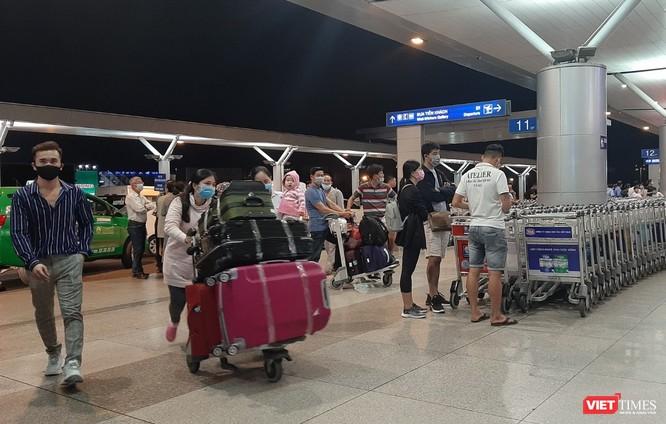 Việt Nam tiếp tục có 4 ca nhiễm COVID-19, trong đó có 1 công dân trên chuyến bay QR970 ảnh 1