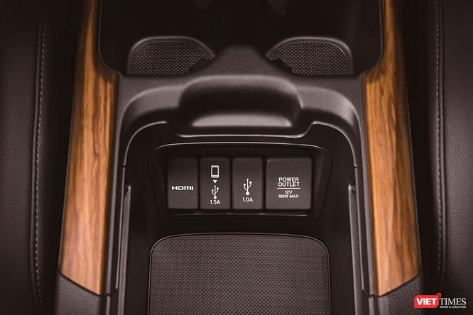 Honda Việt Nam ra mắt xe CR-V 2018, giá cao nhất 1,1 tỷ đồng ảnh 14