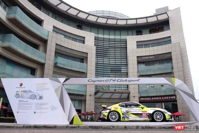"""""""Mòn mắt"""" với Porsche Cayman GT4 Clubsport bất ngờ xuất hiện tại Việt Nam ảnh 13"""