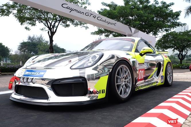 """""""Mòn mắt"""" với Porsche Cayman GT4 Clubsport bất ngờ xuất hiện tại Việt Nam ảnh 1"""