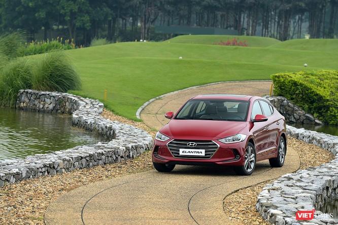 Chỉ hơn 500 triệu đã có thể tậu Hyundai Elantra đón Tết ảnh 1