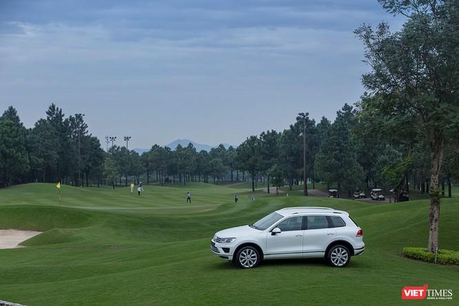 Volkswagen tặng 2 xe cho golfer trúng giải Hole In One tại Việt Nam ảnh 1