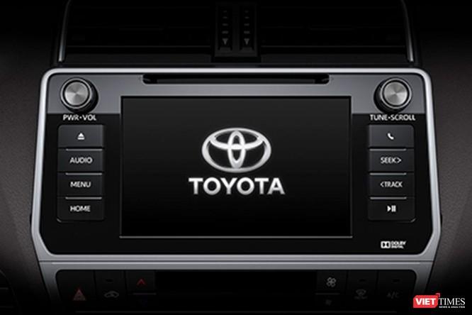 Đấu với Ford Explorer, Toyota LandCruiser Prado 2017 chốt giá 2,262 tỷ đồng ảnh 10