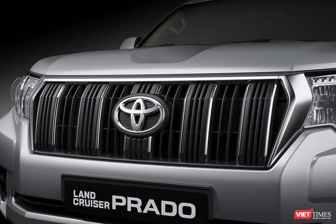 Đấu với Ford Explorer, Toyota LandCruiser Prado 2017 chốt giá 2,262 tỷ đồng ảnh 1
