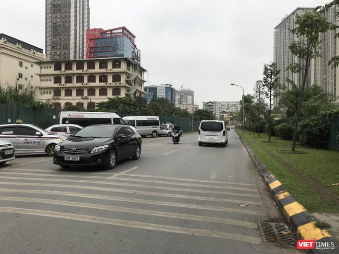 Việc phải đi vòng qua đường Nguyễn Chánh đã gây bức xúc cho cư dân Home city