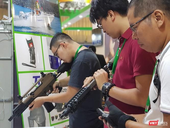 Chiêm ngưỡng dàn vũ khí tại Triển lãm Quốc tế về Quốc phòng - An ninh 2018 ảnh 2