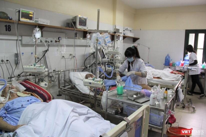 Rất nhiều bệnh nhân bị chấn thương sọ não do TNGT đang phải điều trị tại BV Việt Đức