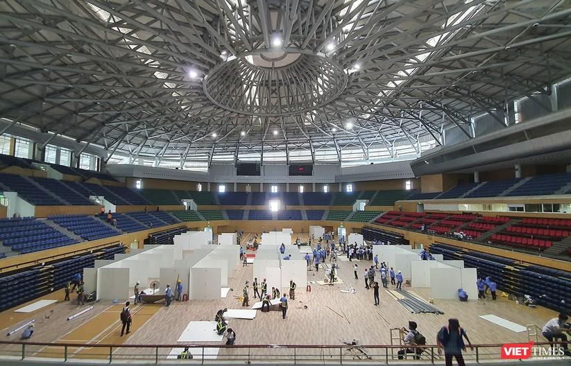 Ảnh: Đà Nẵng sẽ hoàn thành bệnh viện dã chiến Cung thể thao Tiên Sơn trong 4 ngày ảnh 8