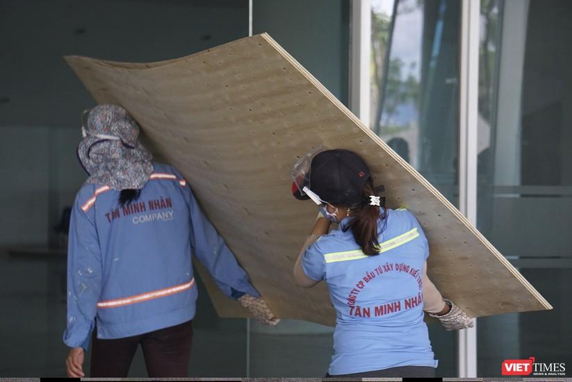 Ảnh: Đà Nẵng sẽ hoàn thành bệnh viện dã chiến Cung thể thao Tiên Sơn trong 4 ngày ảnh 7