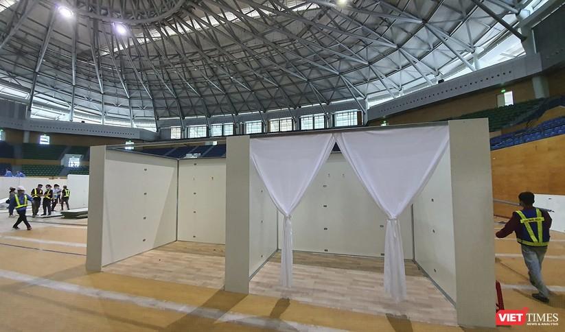 Ảnh: Đà Nẵng sẽ hoàn thành bệnh viện dã chiến Cung thể thao Tiên Sơn trong 4 ngày ảnh 9