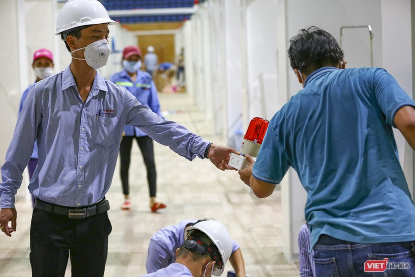 Những hình ảnh mới nhất từ bệnh viện dã chiến 1.000 giường bệnh ở Đà Nẵng ảnh 16