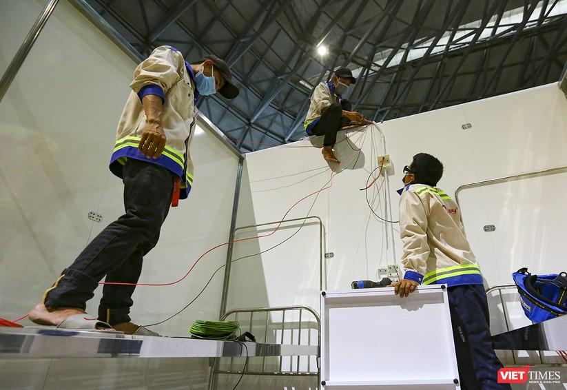 Những hình ảnh mới nhất từ bệnh viện dã chiến 1.000 giường bệnh ở Đà Nẵng ảnh 31