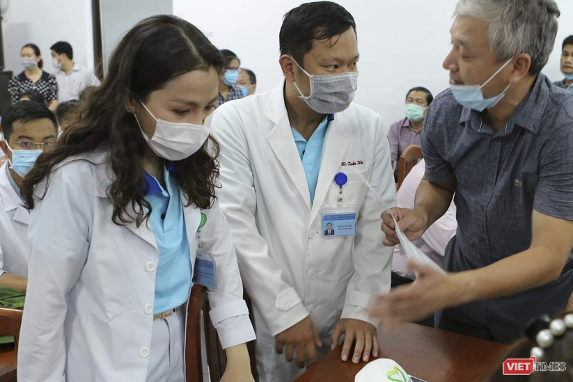 Ảnh: Đoàn cán bộ Y tế tỉnh Bình Định lên đường chi viện cho Đà Nẵng chống dịch COVID-19 ảnh 9