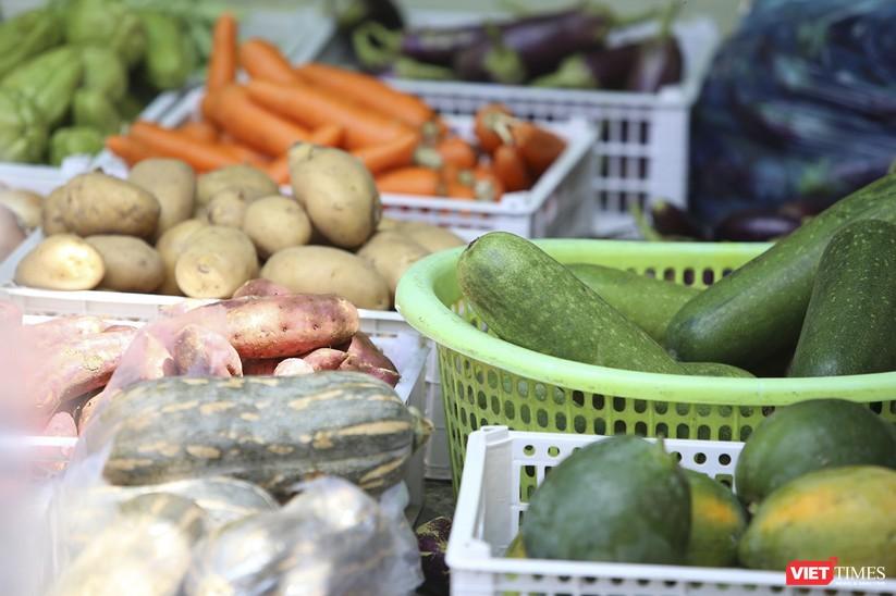 """Ảnh: Ấm lòng """"chợ thực phẩm 0 đồng"""" hỗ trợ người dân ở Đà Nẵng ảnh 6"""