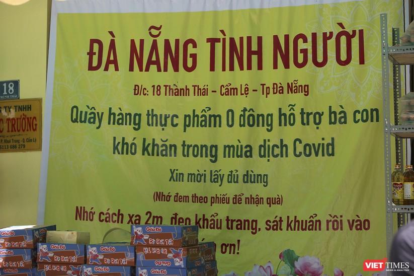 """Ảnh: Ấm lòng """"chợ thực phẩm 0 đồng"""" hỗ trợ người dân ở Đà Nẵng ảnh 3"""
