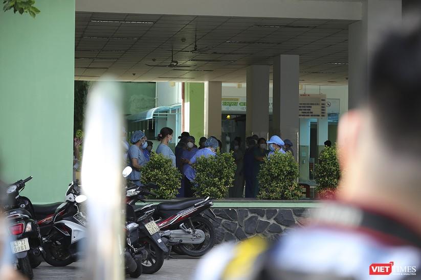Ảnh: Chính thức dỡ bỏ lệnh phong tỏa đối với Bệnh viện Đà Nẵng ảnh 2