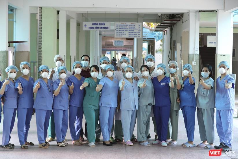 Ảnh: Chính thức dỡ bỏ lệnh phong tỏa đối với Bệnh viện Đà Nẵng ảnh 1