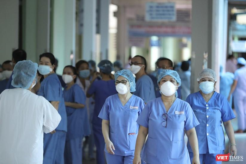 Ảnh: Chính thức dỡ bỏ lệnh phong tỏa đối với Bệnh viện Đà Nẵng ảnh 14