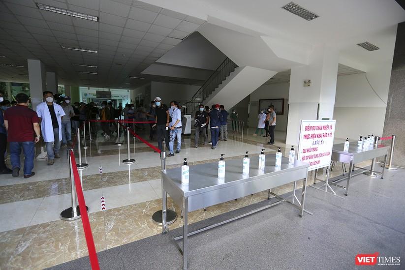 Ảnh: Chính thức dỡ bỏ lệnh phong tỏa đối với Bệnh viện Đà Nẵng ảnh 17