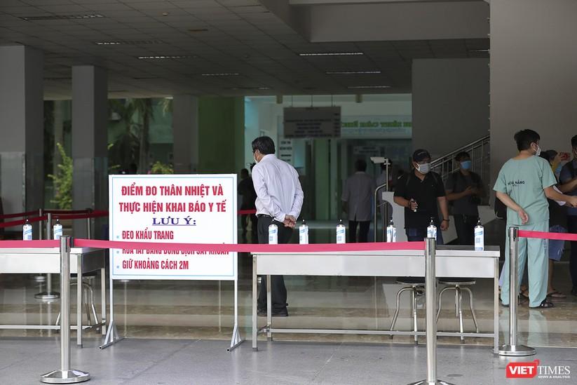 Ảnh: Chính thức dỡ bỏ lệnh phong tỏa đối với Bệnh viện Đà Nẵng ảnh 18