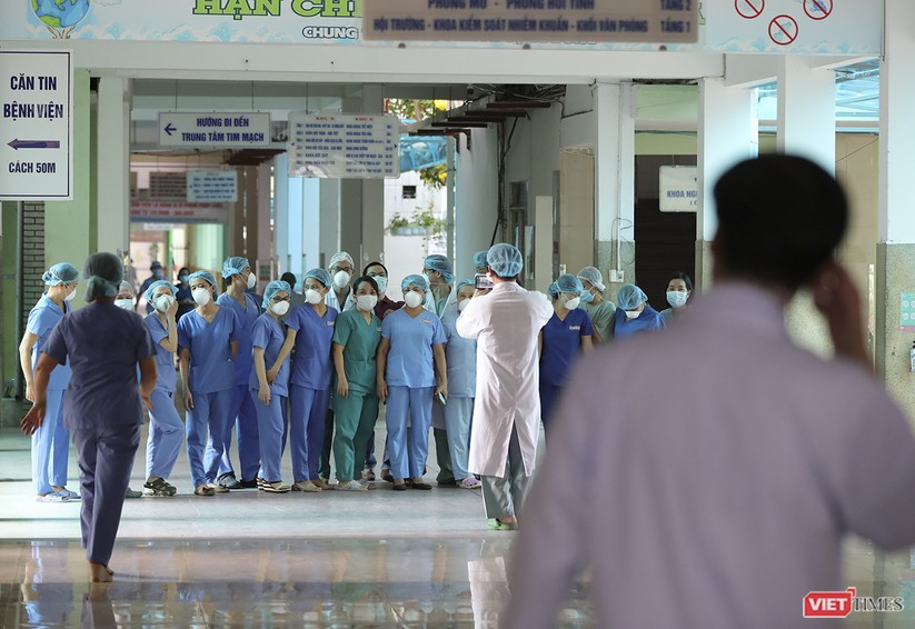 Ảnh: Chính thức dỡ bỏ lệnh phong tỏa đối với Bệnh viện Đà Nẵng ảnh 8