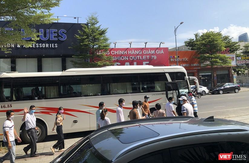 Ảnh: Đoàn bác sỹ tình nguyện Thừa Thiên Huế, Bình Định chia tay Đà Nẵng ảnh 10