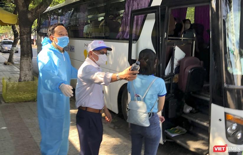 Ảnh: Đoàn bác sỹ tình nguyện Thừa Thiên Huế, Bình Định chia tay Đà Nẵng ảnh 7