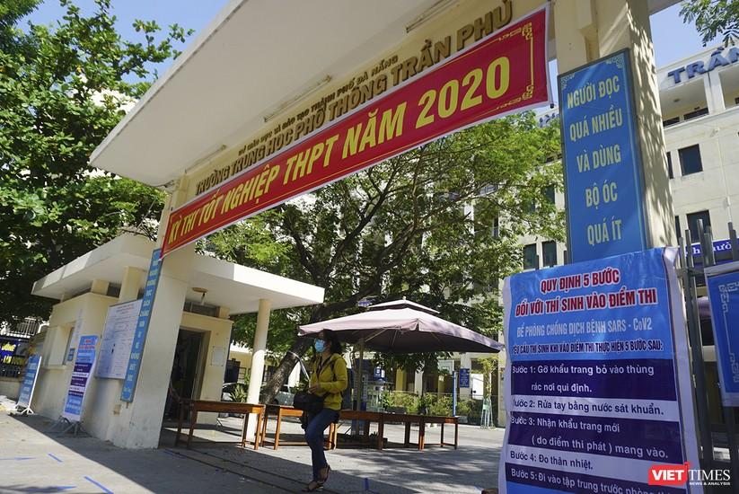 Kỳ thi tốt nghiệp THPT đợt 2: Gần 11.000 thí sinh ở Đà Nẵng bước vào môn thi đầu tiên ảnh 5