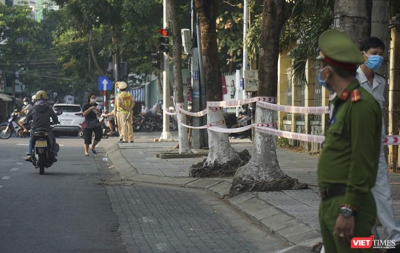 Kỳ thi tốt nghiệp THPT đợt 2: Gần 11.000 thí sinh ở Đà Nẵng bước vào môn thi đầu tiên ảnh 2