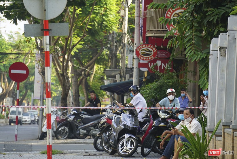 Kỳ thi tốt nghiệp THPT đợt 2: Gần 11.000 thí sinh ở Đà Nẵng bước vào môn thi đầu tiên ảnh 15