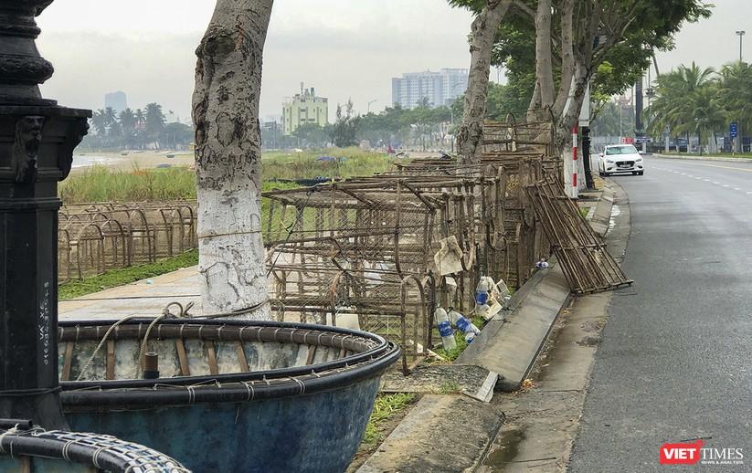 Bão số 5 cận kề, Đà Nẵng khẩn trương đưa tàu thuyền lên bờ tránh trú ảnh 18