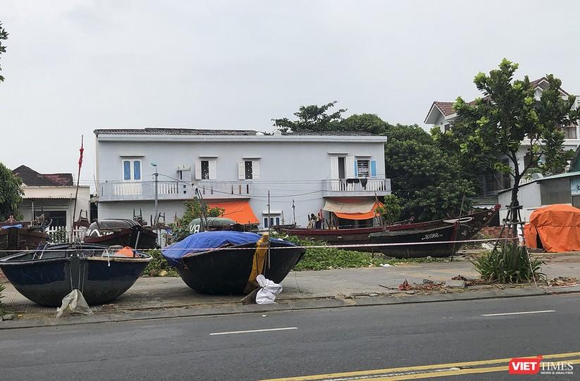 Bão số 5 cận kề, Đà Nẵng khẩn trương đưa tàu thuyền lên bờ tránh trú ảnh 16