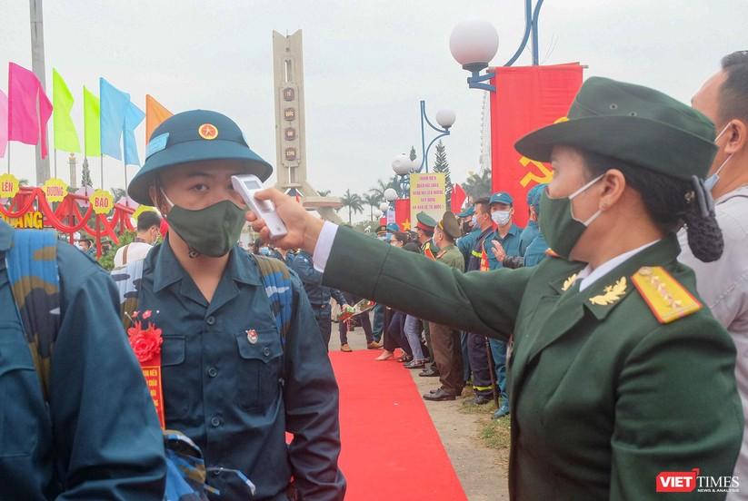 Ảnh: Hơn 1.200 tân binh ở Đà Nẵng lên đường nhập ngũ ảnh 13