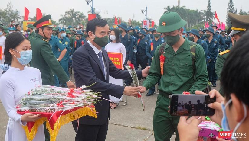 Ảnh: Hơn 1.200 tân binh ở Đà Nẵng lên đường nhập ngũ ảnh 7
