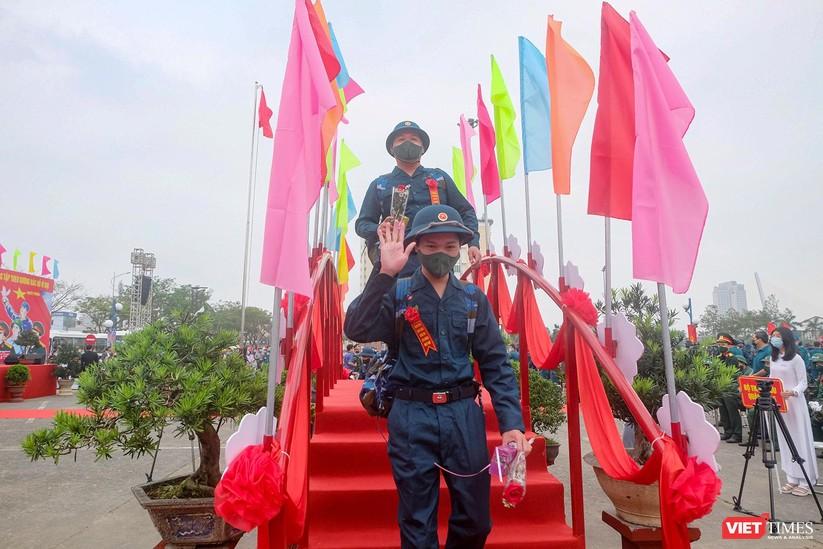 Ảnh: Hơn 1.200 tân binh ở Đà Nẵng lên đường nhập ngũ ảnh 11