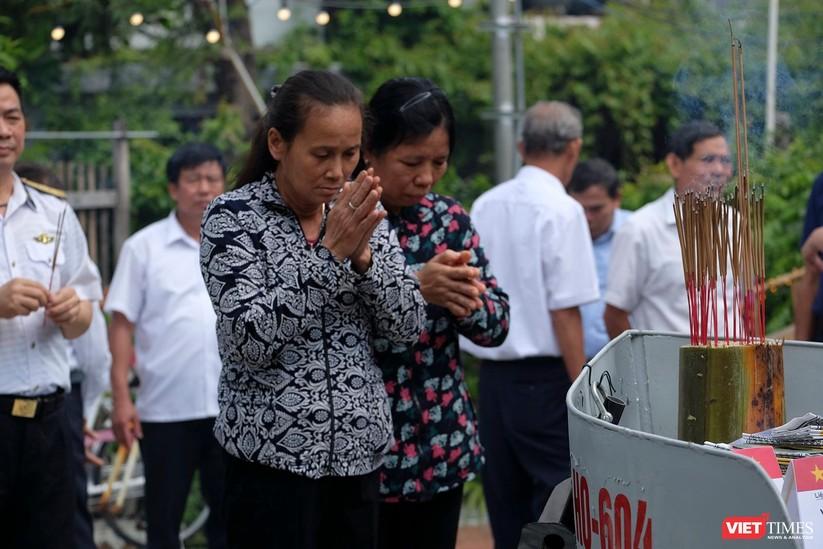 Ảnh: Xúc động lễ tưởng niệm 64 liệt sĩ Gạc Ma ở Đà Nẵng ảnh 9
