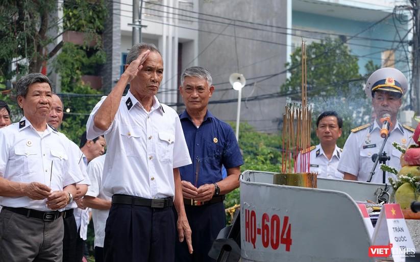 Ảnh: Xúc động lễ tưởng niệm 64 liệt sĩ Gạc Ma ở Đà Nẵng ảnh 4