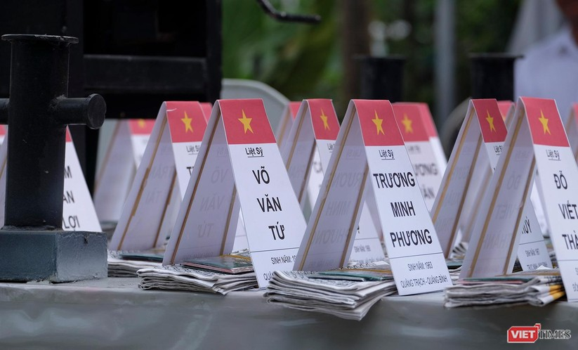 Ảnh: Xúc động lễ tưởng niệm 64 liệt sĩ Gạc Ma ở Đà Nẵng ảnh 2