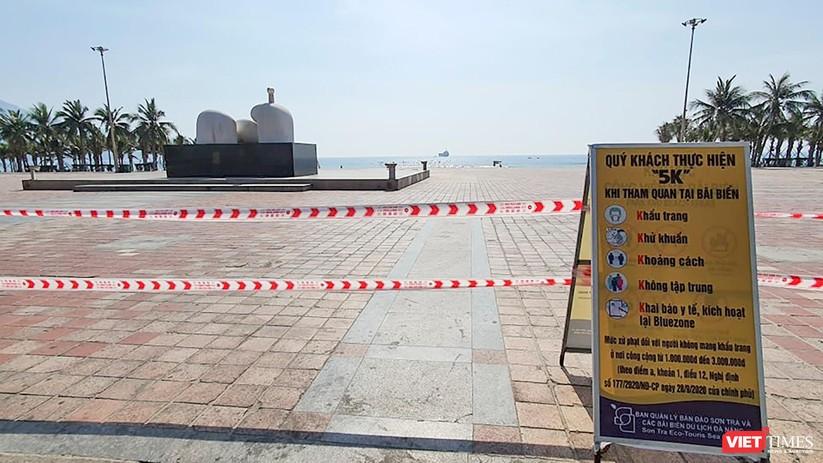Ảnh: Biển Đà Nẵng vắng bóng người sau khi phát hiện ca mắc COVID-19 mới trong cộng đồng ảnh 5