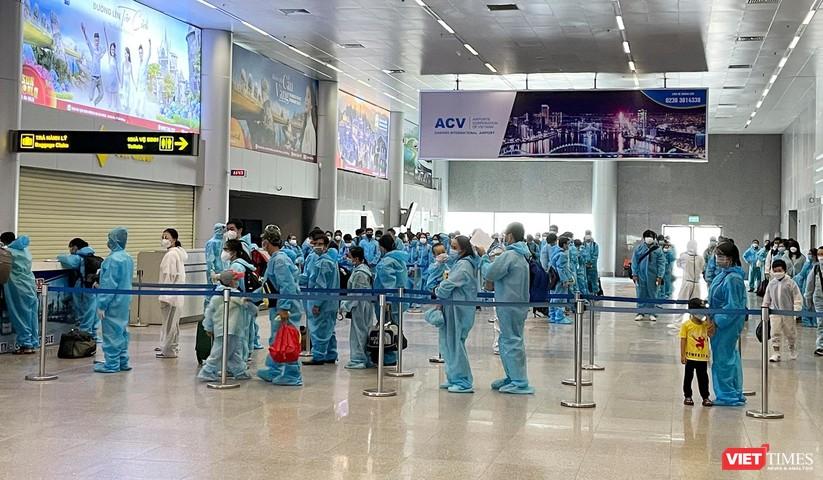 Ảnh: Đà Nẵng đón người dân từ TP HCM về nhà ảnh 8