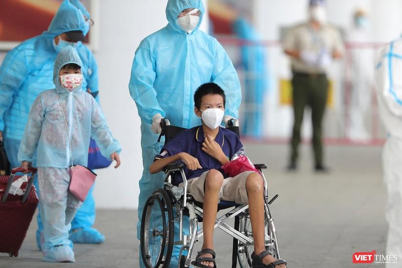 Ảnh: Đà Nẵng đón người dân từ TP HCM về nhà ảnh 29