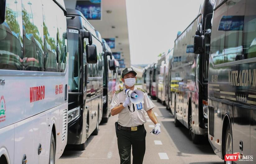 Ảnh: Đà Nẵng đón người dân từ TP HCM về nhà ảnh 12