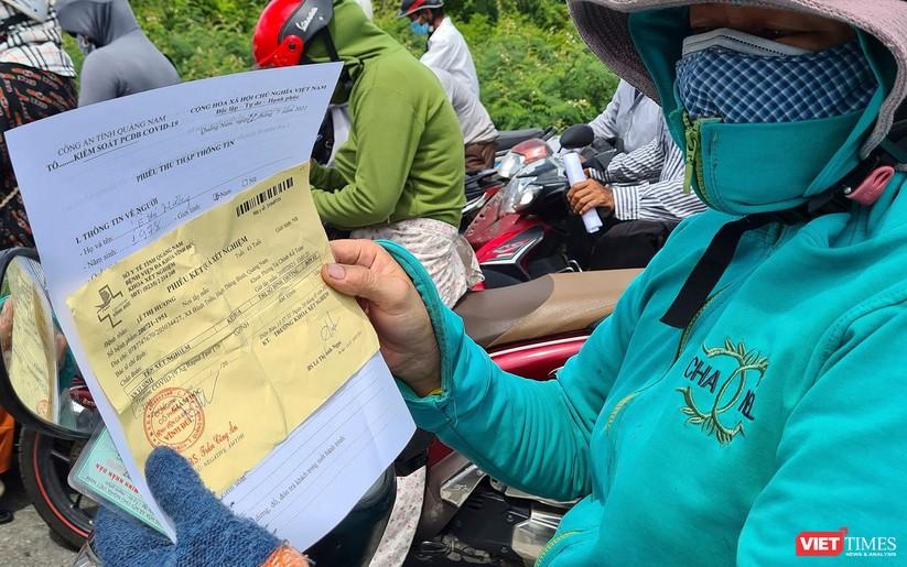 """Ảnh: Hàng ngàn người dân Quảng Nam hối hả rời Đà Nẵng trước giờ """"giới nghiêm"""" ảnh 11"""