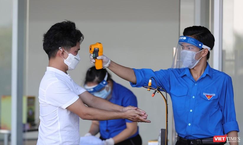 Ảnh: Đà Nẵng ngày đầu tiêm vaccine COVID-19 Spikevax trong cộng đồng ảnh 3