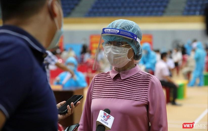 Ảnh: Đà Nẵng ngày đầu tiêm vaccine COVID-19 Spikevax trong cộng đồng ảnh 17