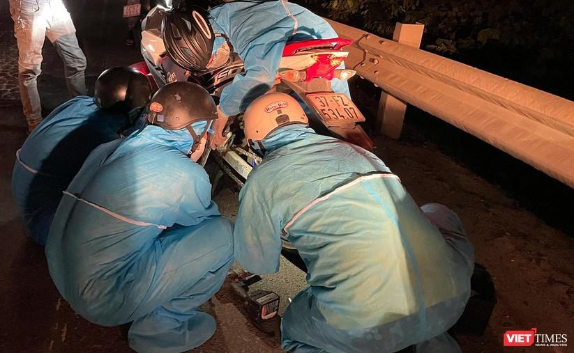Ảnh: Đội sinh viên tình nguyện Đà Nẵng xuyên đêm tiếp sức người dân đi xe máy về quê tránh dịch ảnh 8